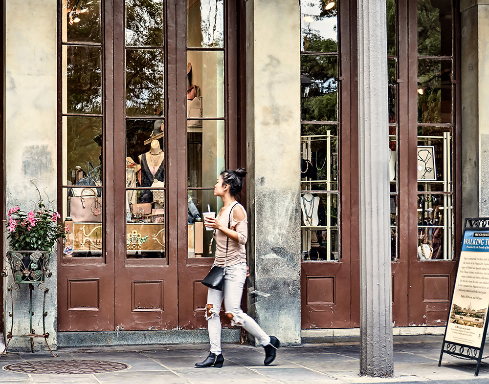 Window-Shopping-in-New-Orleans